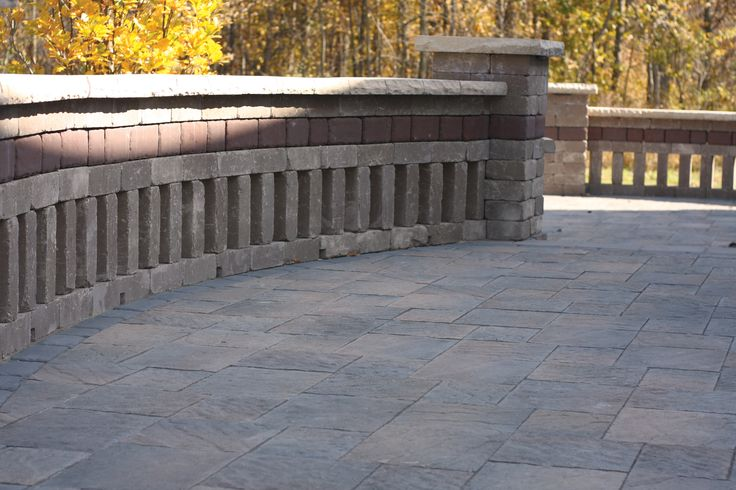 Laredo is a two block wall system that makes construction of garden walls, pillars and driveway edging convenient and hassle-free. These blocks can be arranged in either linear or random patterns for walls or sweeping curved walls. Concrete adhesive provides the ultimate in stability when used in conjunction with this wall stone.
