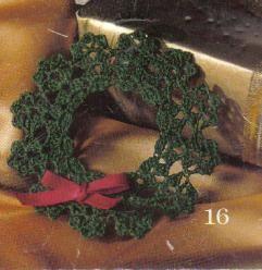 Free crochet pattern for a green wreath tree ornament