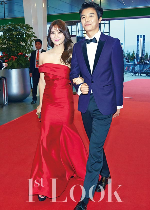 """Han Groo & Yeon Woo Jin for 2014 Mnet Asian Music Awards """"MAMA"""" covered by 1st Look Magazine Vol.82."""