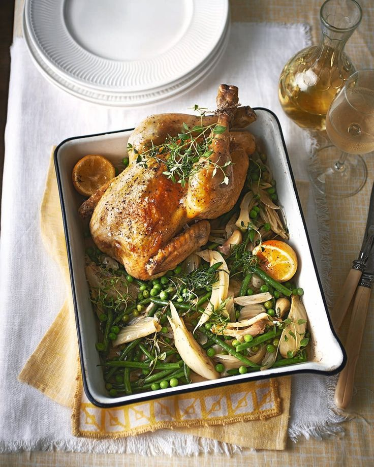 With this chicken recipe you get the irresistible aromas of a Sunday roast combined with the best flavours of summer.