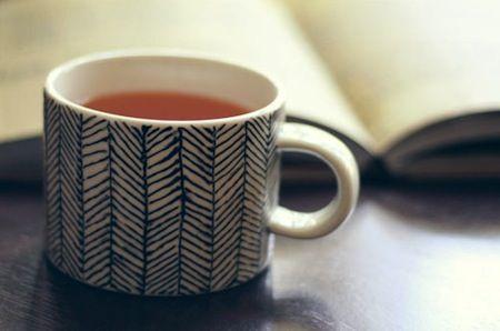 10 ways to decorate mugs diy mugs mugs and diy and crafts. Black Bedroom Furniture Sets. Home Design Ideas