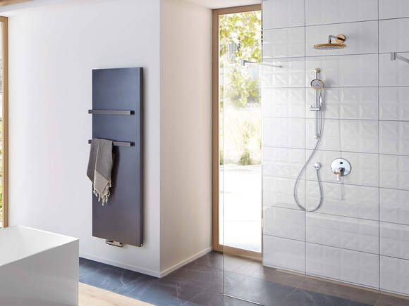 hansgrohe Metropol Classic offers a wide range of options for elegant showering. #hansgrohe #showerdesign #bathroominspiration