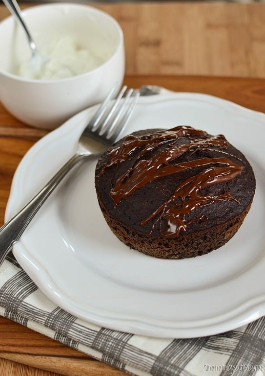 Slimming Eats Rich Chocolate Cake - gluten free, dairy free, Slimming World (SP), vegetarian and Weight Watchers friendly