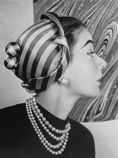 1950s Hat and Pearls
