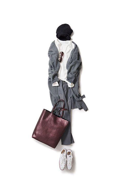 秋晴れの日に着たいグレーコーデ 2015-10-22   hat price :19,440 brand : REGINA   jeans brand : KORAL/YAMATWO   bag price :62,640 brand : ORCIANI   cardigan price :22,680 brand : MISS HAPPY