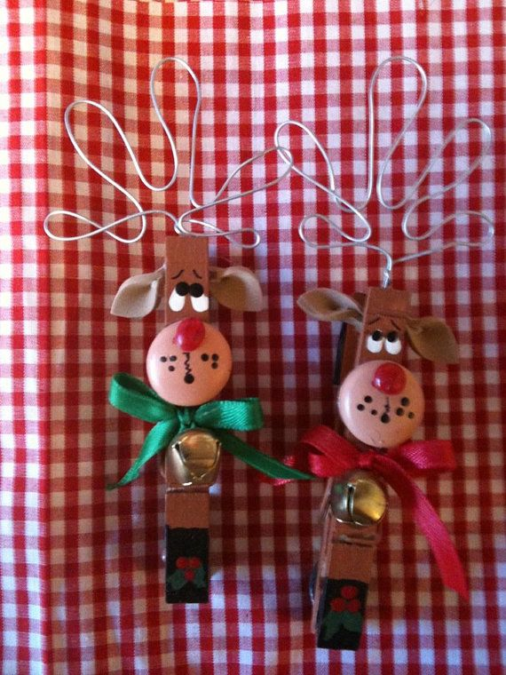 Set of 2 Reindeers  Christmas Clothespins Magnets package ties country wood crafts