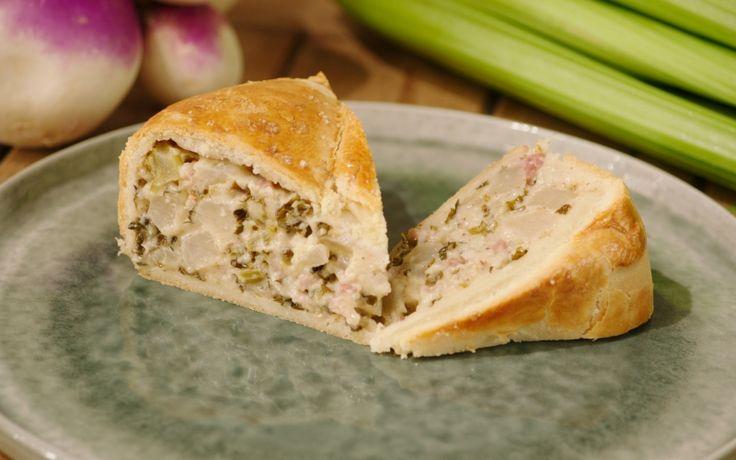 Jeroen gaat de Britse toer op met een hartige pie, gevuld met ossentong en groenten.