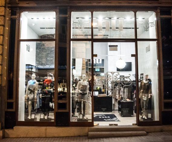 NÜ by staff -myymälä: Váci utca 34. Clotilde palatsi, Budapest  Brand Shop: Kiraly utca 43-45