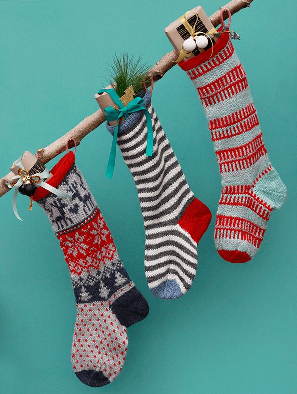 Gratis opskrift på strikkede julesokker fra Yarnfreak.dk