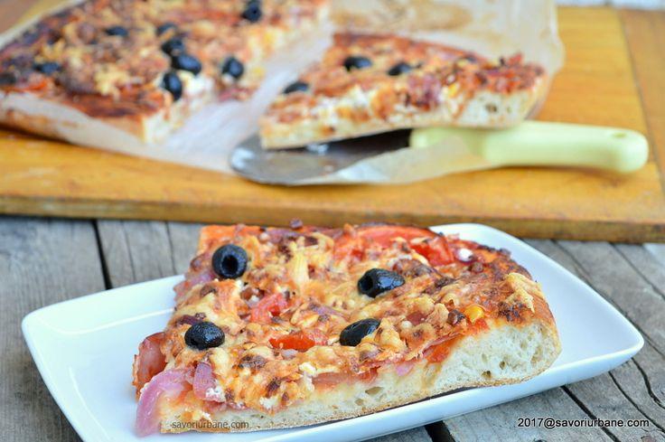 Pizza cu blat pufos cu de toate - pizza de casa romaneasca Savori Urbane