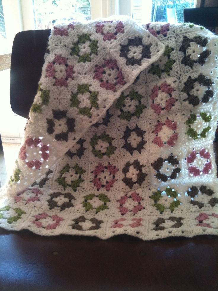 gorgeous granny square blanket, I especially like the colours on this one