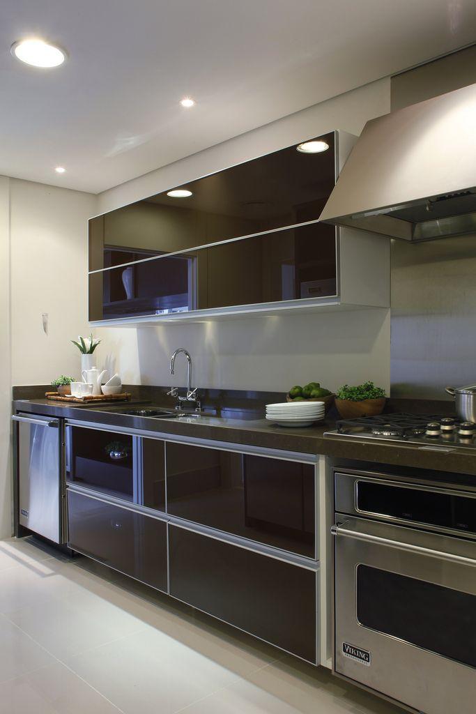 Apartamento decorado Design Campo Belo / Debora Aguiar #kitchen #countertop #lighting