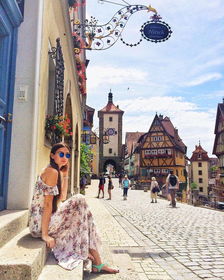 Dzisioj we plac rolady - Rhotenburg ob der Tauber  Jezderkusie co te miasto je gryfne!  - #rothenburg #rothenburgobdertauber #visitgermany #belekaj #godej #rajza #podróż #podroze #podróże #zwiedzamy #zwiedzanie #wycieczka #wakacje #wanderlust #deutschland #niemcy #bawaria #bayern #bavaria #topgermanyphoto #ig_deutschland #ig_germany #insta_germany #instatravel #travel #blogtroterzy #blogpodrozniczy #dametraveler #girlswhotravel