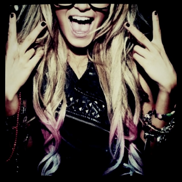 Tie dye hair: Dips Dyes Hair, Glasses, Ombre Hair, Blondes, I Wish, Hairchalk, Colors Tips, Hair Chalk, Dips Dyed Hair