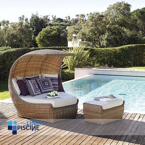 Niente di meglio di una splendida mattina a bordo #piscina per un po' di sano #relax! Vi piacerebbe rilassarvi in questo splendido paesaggio? :)