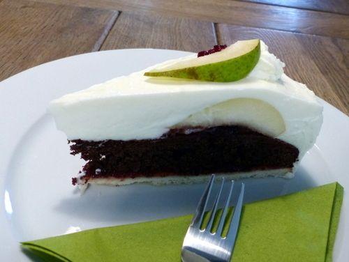 Schoko-Birnen-Preiselbeer-Torte