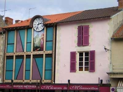 A patterned building façade in Montmorillon    http://poitoucharentes.angloinfo.com/