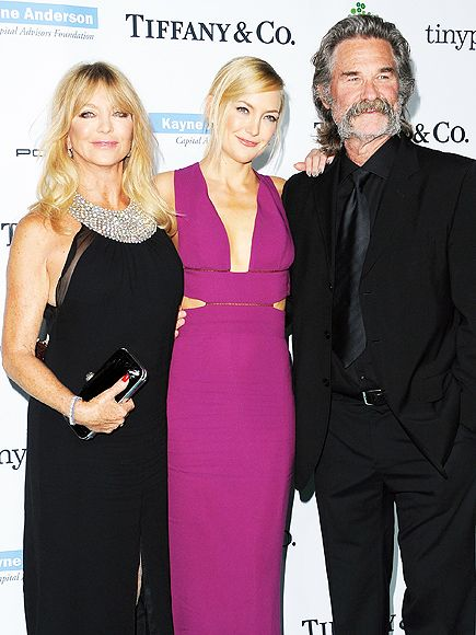 Kate Hudson and Mom Goldie Hawn's Sweet Birthday Messages for Kurt Russell http://www.people.com/article/kate-hudson-goldie-hawn-oliver-birthday-kurt-russell-instagram