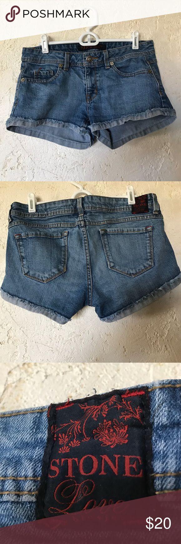 Stone Love Size 7 Juniors Shorts Blue jean shorts, short, 96% cotton, 2% spandex, used Stone Love Blue Jeans Shorts Jean Shorts