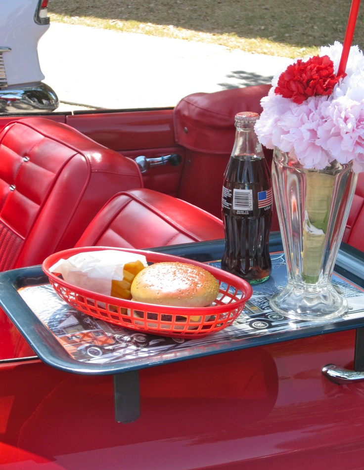 50 39 S Diner Look On Pinterest Poodle Skirts Diners And 50s Bedroom