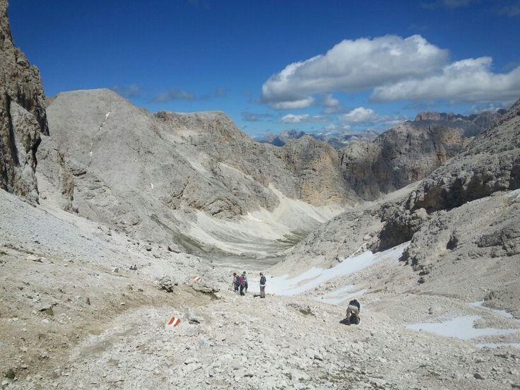 Vallone Antermoia dall'omonimo passo 2.770 m   s.l.m. #Dolomiti #ValdiFassa #Catinaccio #Antermoia