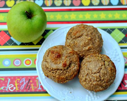 Healthy baking: Apple walnut oat muffins Apple, spices and chopped walnuts add lots of fall flavor! But because these are made with banana, Greek yogurt and ground oats instead of flour, these tasty muffins are actually good for you! #fall #healthybaking