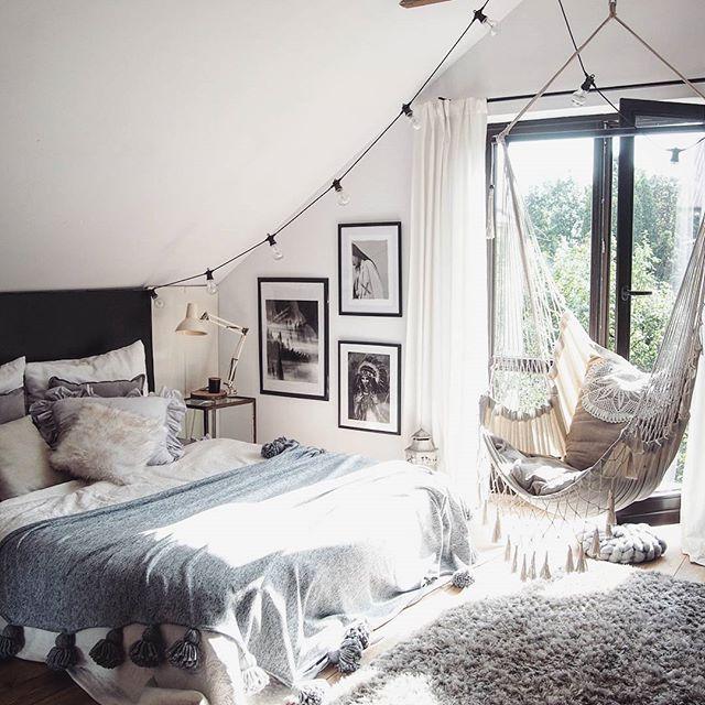 Best 25+ Eaves Bedroom Ideas On Pinterest
