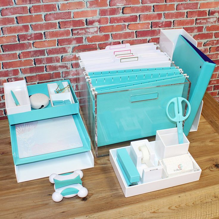 Cool aqua and white desk accessories from Poppin, Russell + Hazel, and more.  http://www.urbangirl.com/Categories/Workspace-Inspiration/Airy-Aqua.aspx