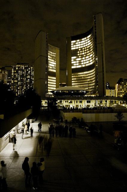 Stereoscope @ Toronto City Hall by asianz, via Flickr