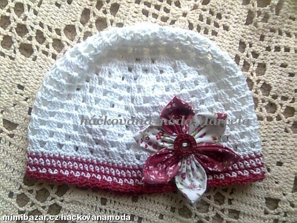 Here one of my crafty readers attached a fabric flower to a crochet hat.  So pretty! háčkovaný vzor