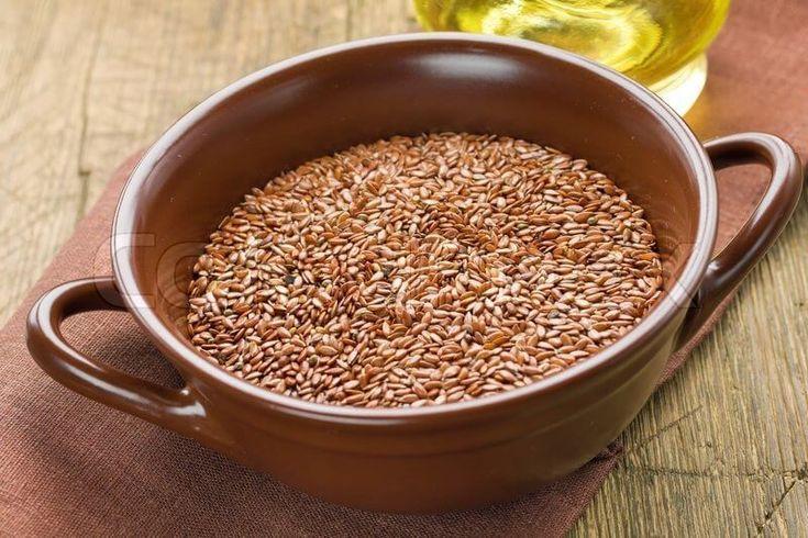 Этот сибирский способочищения кишечника семенами льнанормализует работу всего желудочно – кишечного тракта. Это скорее даже исцеление кишечника, а не чистка. Вот этот рецепт: возьмите 100 грамм льн…