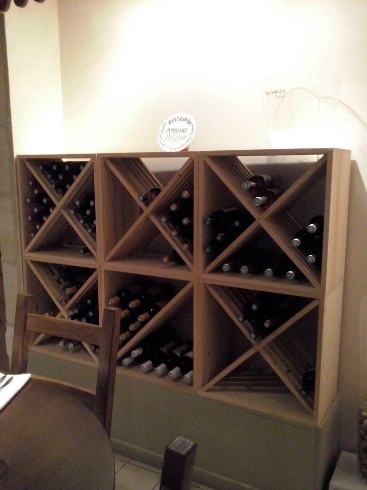 Casier bouteilles, casier vin, rangement du vin, aménagement cave, casier bois, cave à vin, meuble vin => Nos KR64 installés dans un restaurant