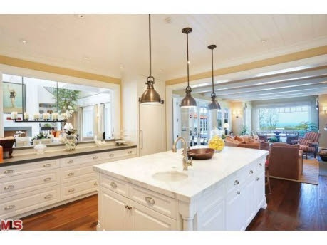 Howie Mandel's Cape Cod for sale this is the kitchen