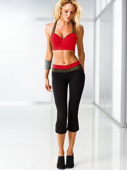 Love the Supermodel Pant? Try the capri with this red & gold sparkle waistband. Perfect for the fitness fashionista in your life!