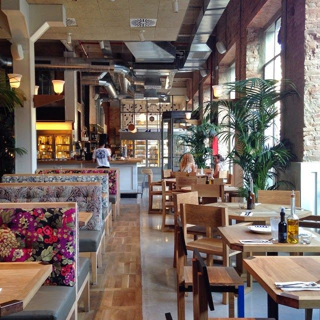 Flax & Kale in Barcelona. Try the tagliatelle and the pressed juices.