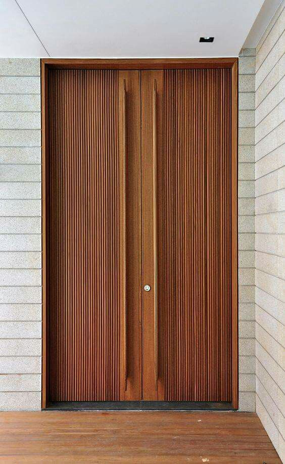 Fot. K2LD Architects Wooden front door