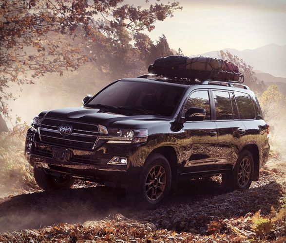 Special Edition Off Road Suvs The 2020 Land Cruiser Heritage Edition Is Limited To 1 200 Vehicles Trendhun Land Cruiser Toyota Land Cruiser Land Cruiser 200