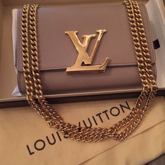 SOLD!!!!    CHAIN LOUISE MM 100% AUTHENTIC for those who don't know!!!!please look it up on lv website!!!! Louis Vuitton CHAIN LOUISE MM in beautiful taupe color with Gold hardware! I DO NOT NEGOTIATE PRICES ON POST.... Please make offer. Thanks! Louis Vuitton Bags