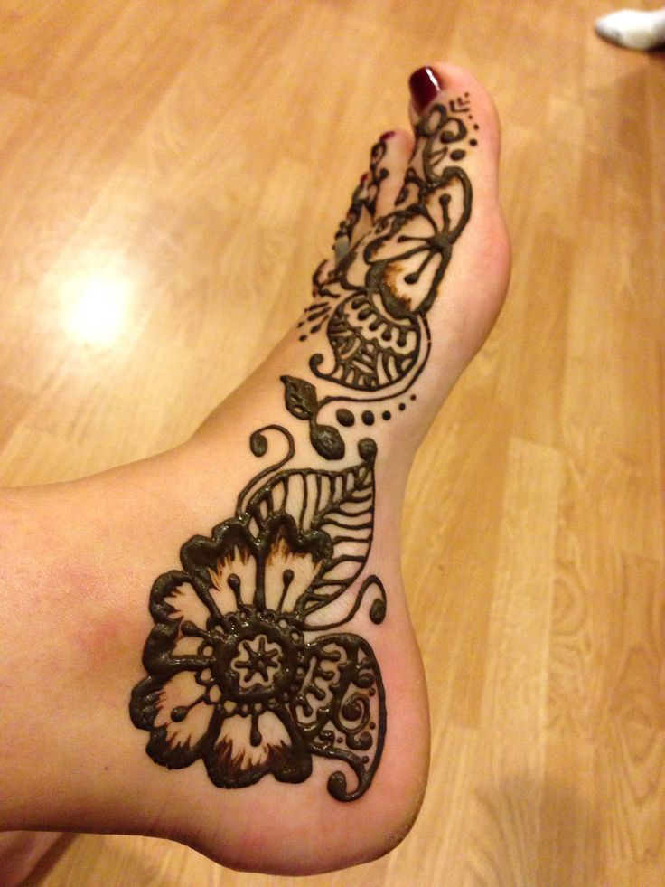 Mehndi Simple Designs For Foot : Henna foot design hierishetfeest nifty