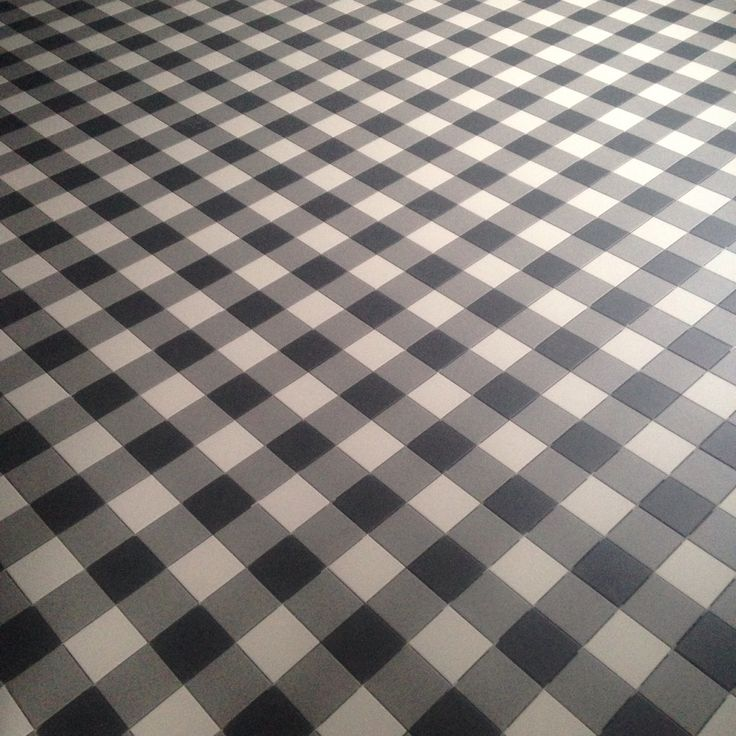 Floor is finished!  Topcer - plaid pattern