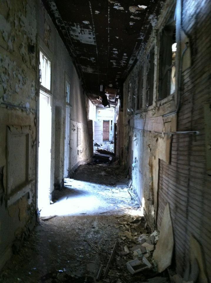 Abandoned House In Hilo Hi