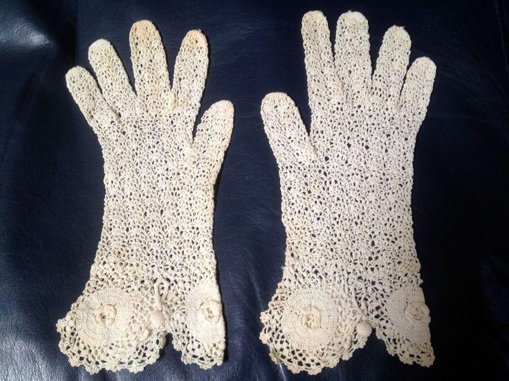Vintage Lace Gloves