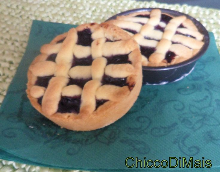 crostatine ai mirtilli  http://blog.giallozafferano.it/ilchiccodimais/crostatine-ai-mirtilli/