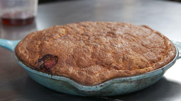 Omelette soufflée | Télé-Québec | Un chef à la cabane | http://unchefalacabane.telequebec.tv/recettes/18/omelette-soufflee