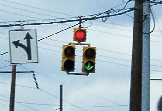 Confusing traffic signs can be a read headache  for drivers.