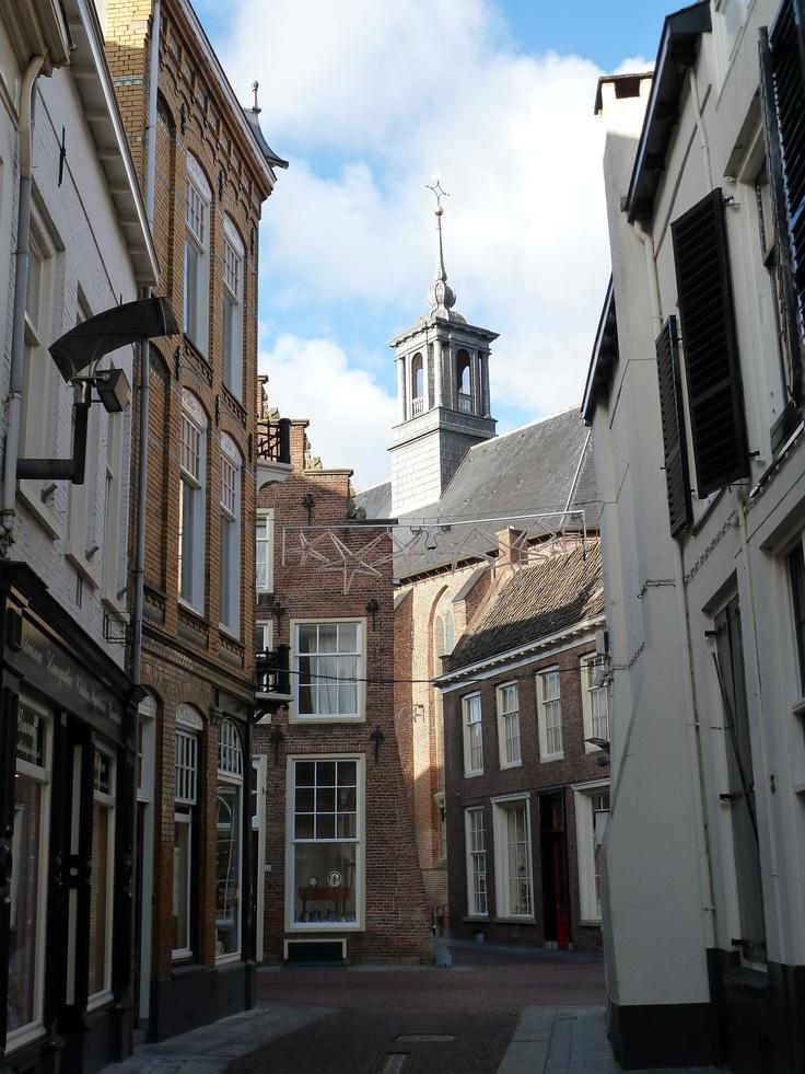 Korte Beukerstraat met het zicht op de Broederenkerk in Zutphen