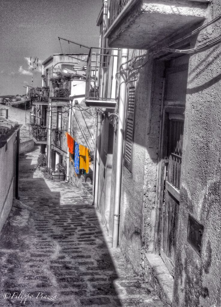 Clothes lines  Panni stesi Mussomeli CL Sicily italy #mussomeli  #sicily