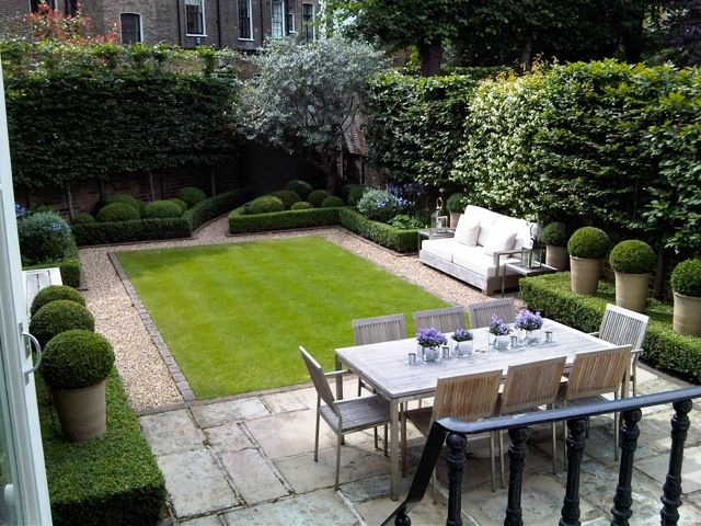 Louise del balzo garden design beautiful balance of grass for Small garden courtyard designs