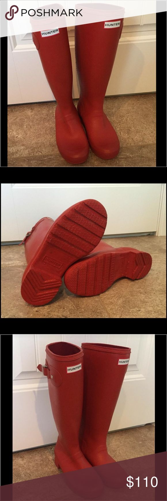 Red Hunter Boots ❤️offers welcome❤️ Excellent condition Red Hunter Boots.  Size 5. Will fit sz 5-6. Smoke free home.  Next day shipping. Please feel free to answer any questions. Thank you for shopping my closet. Offers always welcome❤️ Hunter Boots Shoes Winter & Rain Boots