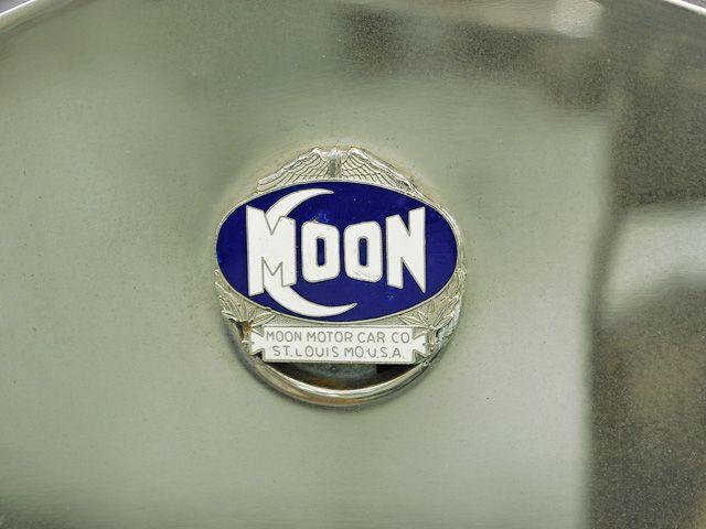 emblem three moons - photo #32